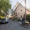 Casa de vânzare sau de închiriat 8 camere, în Bucuresti, zona Herastrau