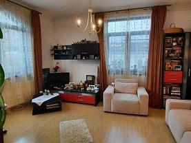 Casa de vânzare 3 camere, în Bucureşti, zona Dacia