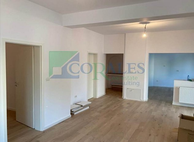Casa cu doua apartamente, nou, renovat, strada linistita! - imaginea 1