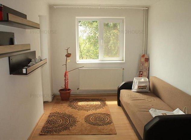 Podu Ros - apartament 3 camere - imaginea 1
