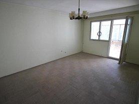 Apartament de vânzare 3 camere, în Bacau, zona Orizont
