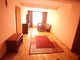 Apartament de închiriat 3 camere, în Bacau, zona Central