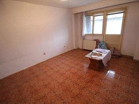 Apartament de vânzare 3 camere, în Bacau, zona George Bacovia