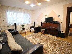 Apartament de vânzare 3 camere, în Bacău, zona Banca Naţională