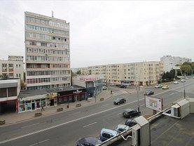 Apartament de vânzare 3 camere, în Bacău, zona Orizont