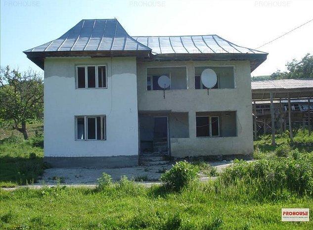 Vila ieftina - 40 km de Bacau - imaginea 1