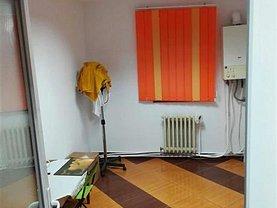 Apartament de vânzare 3 camere, în Bistriţa, zona Calea Moldovei