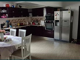Apartament de închiriat 3 camere, în Bistriţa, zona Central
