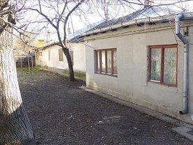 Casa de vânzare 2 camere, în Bacau, zona Central