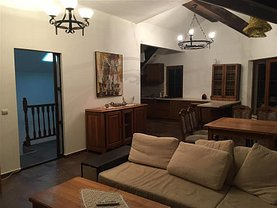 Casa de închiriat 3 camere, în Bacău, zona Central