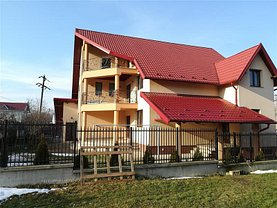 Casa de vânzare 8 camere, în Botosani, zona Nord