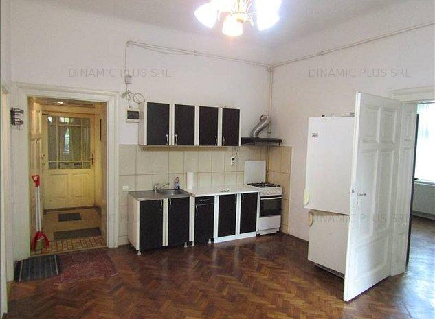 Apartament la vila zona centrala- langa Parcul Sub Arini - imaginea 1
