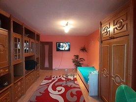 Apartament de închiriat 3 camere, în Braşov, zona Calea Bucureşti