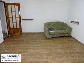 Apartament de vânzare 3 camere, în Galati, zona Micro 17