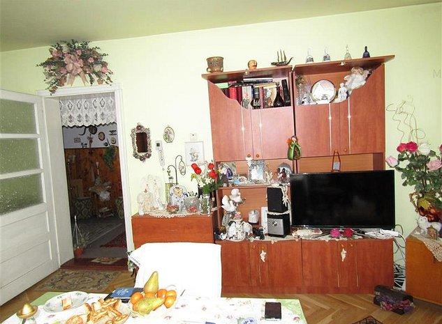 Apartament cu 3 camere in vila etaj 2/2,Racadau/Tampei - imaginea 1