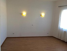 Casa de închiriat 5 camere, în Brasov, zona Darste