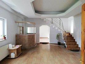 Casa de închiriat 4 camere, în Brasov, zona Brasovul Vechi