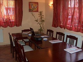 Casa de închiriat 9 camere, în Braşov, zona Astra