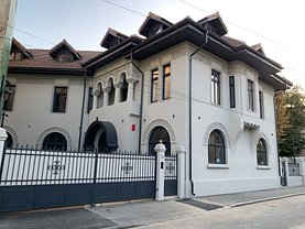 Casa de închiriat 14 camere, în Bucureşti, zona Romană
