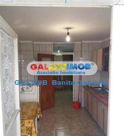 Vanzare apartament 4 camere zona Fizicienilor - imaginea 1