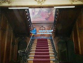 Casa 10 camere în Bucuresti, Romana