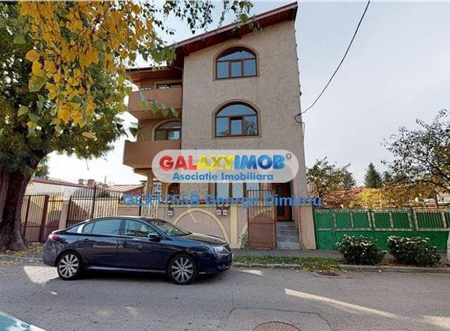 Parc Bazilescu, Vila 5 camere, Lux, Ideal doua familii - imaginea 1