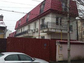 Casa 9 camere în Bucuresti, Tei