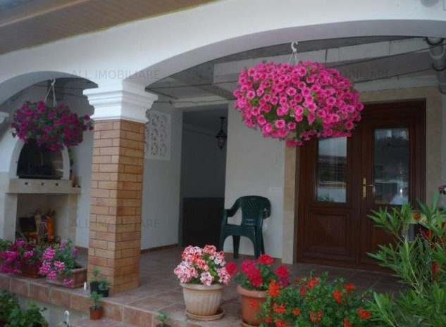 Casa de inchiriat in zona Faleza Nord/ Vila Reyna din Constanta - imaginea 1
