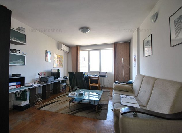 2 camere, decomandat, la etajul 3, cu vedere in Piata Victoriei - imaginea 1