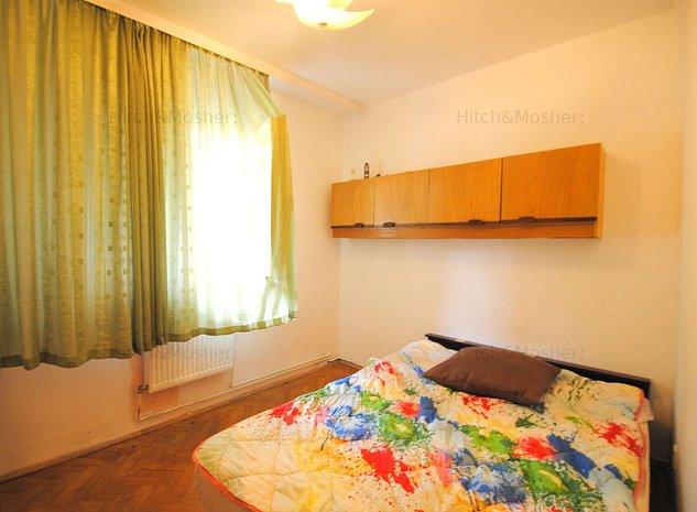 De vanzare apartament cu 4 camere - zona Cetatii - comision 0% - imaginea 1
