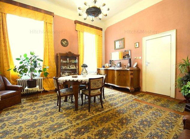 Apartament Cladire Istorica 3 Camere Zona Ultracentrala - imaginea 1
