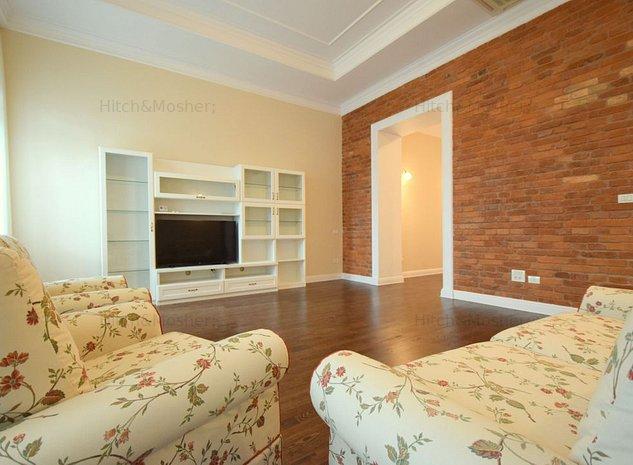 Apartament spatios de inchiriat in cladire istorica - Ultracentral - imaginea 1