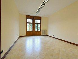 Apartament de închiriat 5 camere, în Timişoara, zona Ultracentral