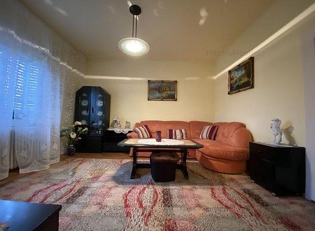 Casa individuala in zona Blascovici, structurata in 2 apartamente - imaginea 1