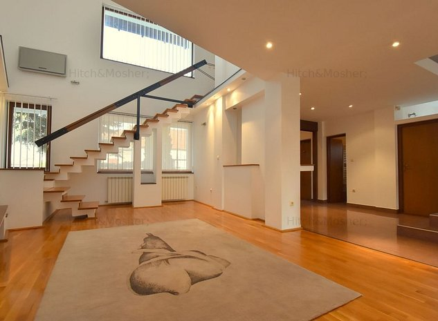 Casa / Vila cu 5 camere de inchiriat- Lipovei - imaginea 1