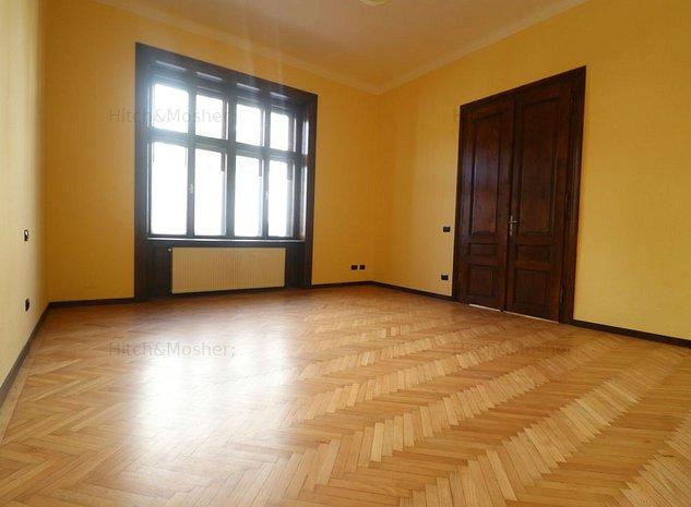 Apartament cu 4 camere in cladire istorica zona Central - Piata Balcescu - imaginea 1