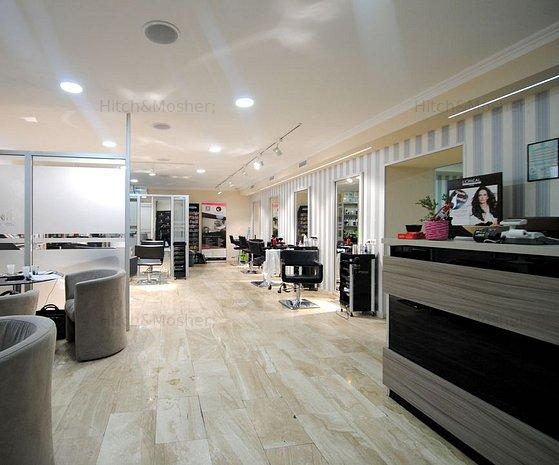 Spatiu pentru birouri sau comercial de inchiriat, finisat modern, in zona Sinaia - imaginea 1