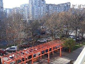 Apartament de închiriat 4 camere, în Bucureşti, zona Unirii
