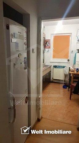 Apartament cu 3 camere, decomandat, zona strada Vanatorului - imaginea 1