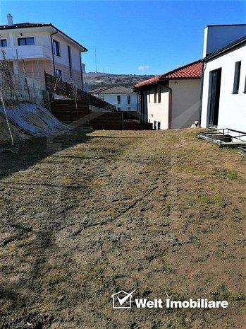 Ocazie! Apartament 3 cam + curte 154mp, 2 garaje, imobil cu doar 2 apartamente - imaginea 1