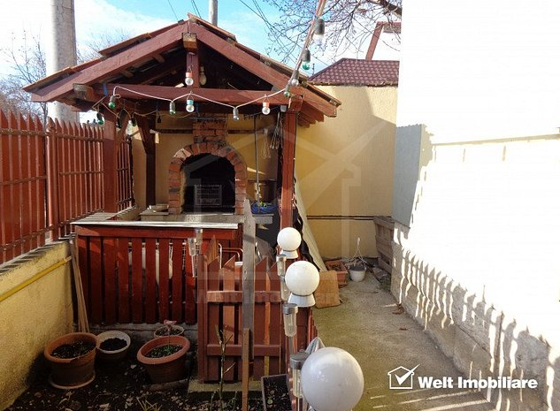 Singur in curte, casa 2 camere 57mp, 2 garaje, la 5 min de Kaufland Marasti - imaginea 1