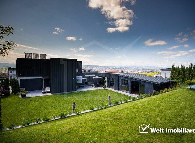 Casa ultrafinisata, moderna, la cheie, priveliste asupra intregului oras - imaginea 1