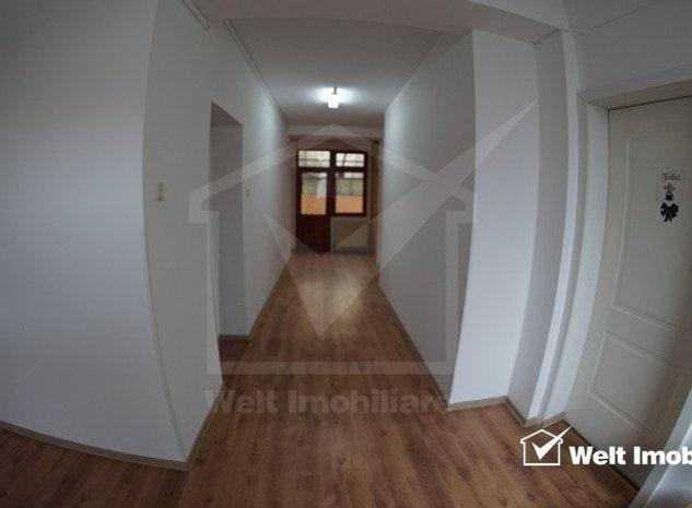 Casa 8 camere, pe 3 niveluri, langa Platinia Shopping Center - imaginea 1