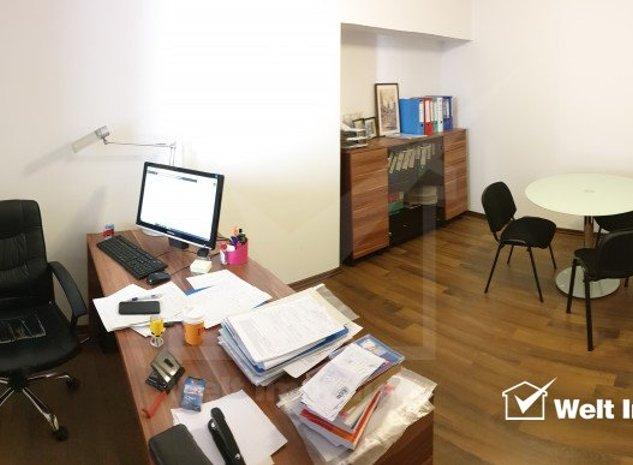 Spatiu birou 38 mp, ultracentral, finisat - imaginea 1