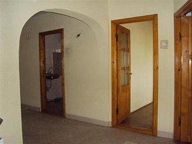 Apartament de vânzare 4 camere în Focsani, Brailei