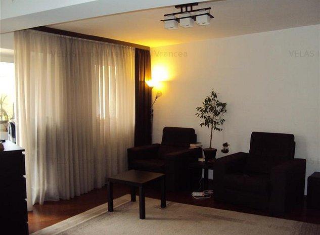 Apartament 3 camere,et 1,bdul Brailei, CT, loc parcare - imaginea 1