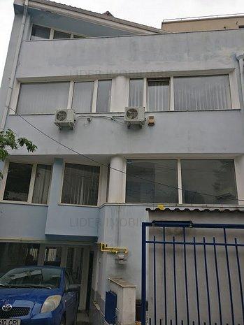 Vila d+p+1+m zona de Nord, sector 1 - imaginea 1