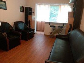 Apartament de închiriat 3 camere, în Constanţa, zona Sat Vacanţă