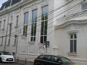 Casa de închiriat 12 camere, în Bucuresti, zona Ultracentral
