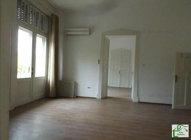 Apartament 4 camere de vanzare zona istorica X1RF1051I - imaginea 1